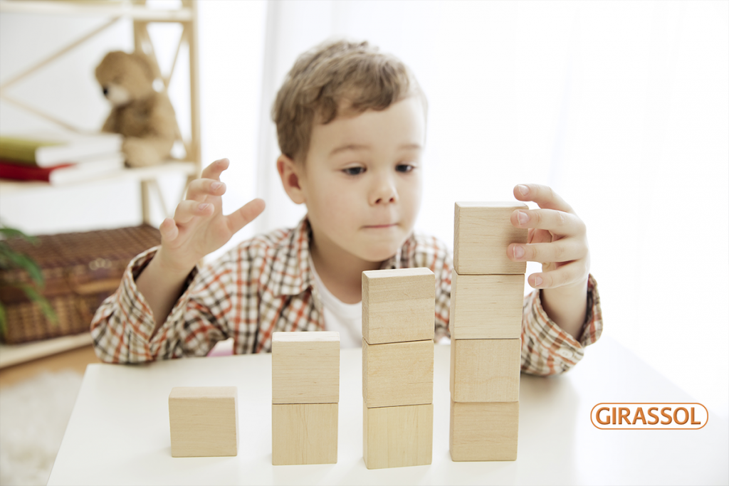 O uso de jogos na alfabetização: saiba os benefícios dessa prática para as crianças
